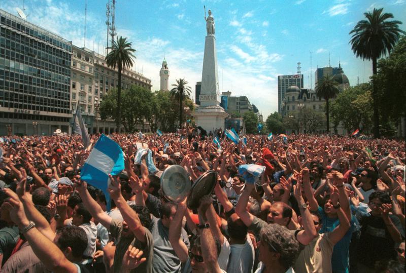 cacerolazo argentina represión saqueo